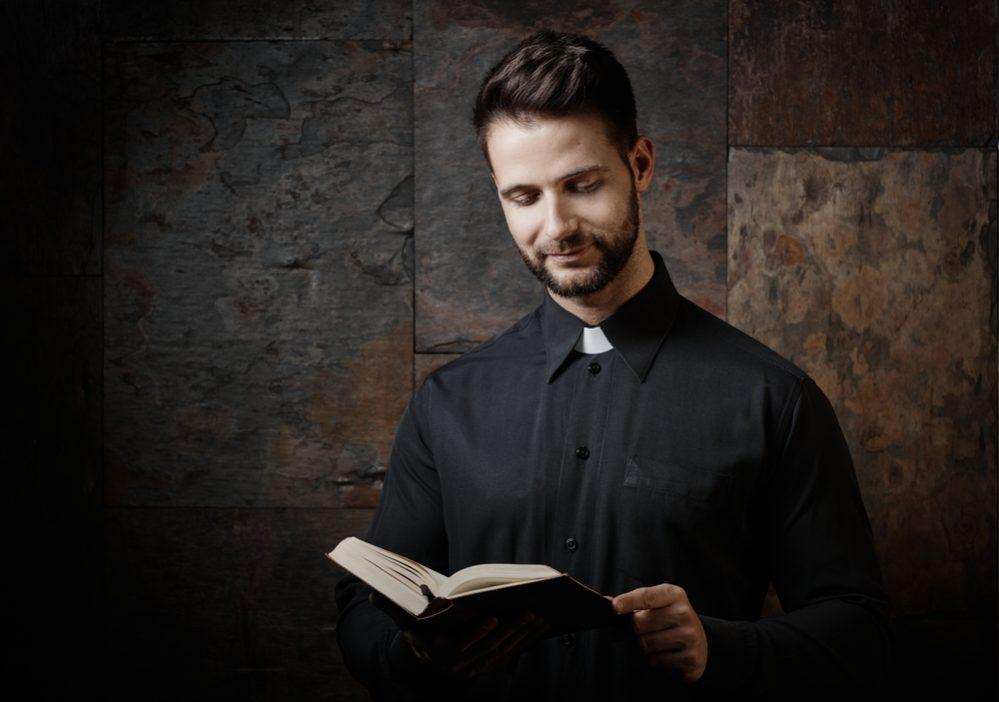 キリスト教でも全然違う!「牧師」と「神父」の違い   スッキリ